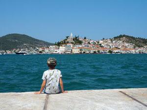 Les enfants aimeront profiter de la piscine et/ou de la plage après les visites.
