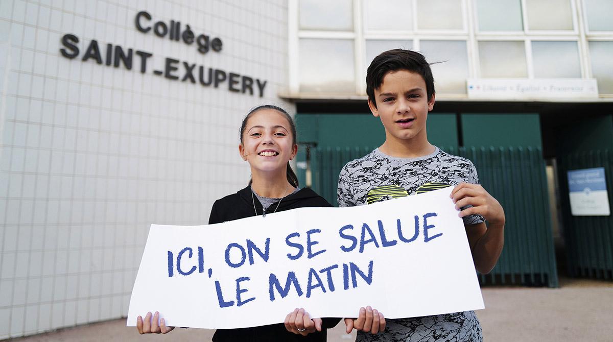 """""""Total respect dans mon collège"""", Okapi n°1103, 1er janvier 2020. Texte : Sandrine Pouverreau. © Yann Coatsaliou/AFP."""