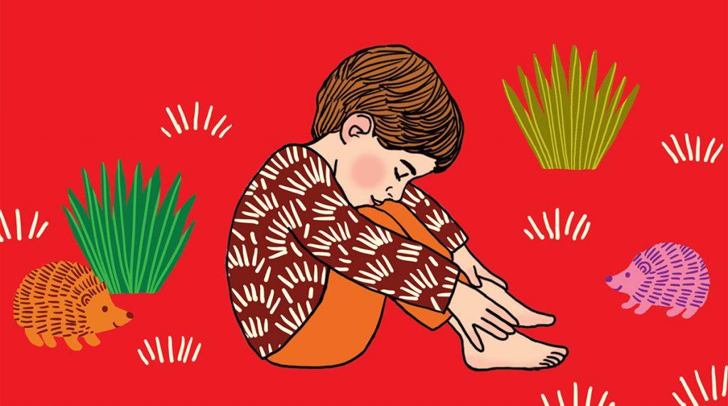 """Yoga : la posture """"Roule petit hérisson""""."""