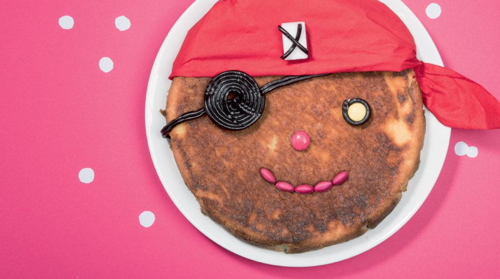 """""""Un gâteau, mille sabords !"""", Pomme d'Api n°630, août 2018. Idée et réalisation : Marie-Pascale Nicolas-Cocagne. Photo : Benoît Teillet."""