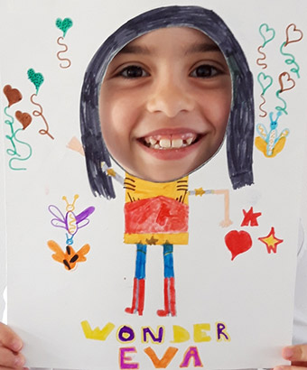 Éva, 8 ans, Wonder Éva