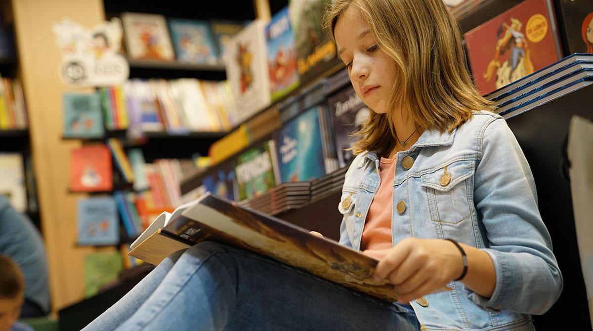 AdobeStock. Idées de livres à offrir aux enfants et ados.