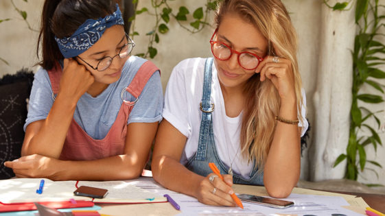 <span class='date_loisirs'>Séjour ados en juillet 2021 </span> Master Class Écriture